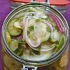 Marinuotos agurkų salotos