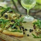 Pica su mėlynėmis ir mėlynuoju sūriu