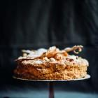Tortas Napoleonas su lazdynų riešutais ir citrinų kremu