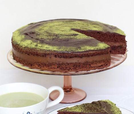 Šokoladinis tortas su avokadais