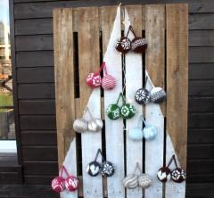 Netradicinių kalėdinių eglučių idėjos